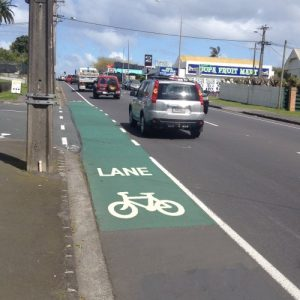 New bike lane symbol (c/ Akld Transport)