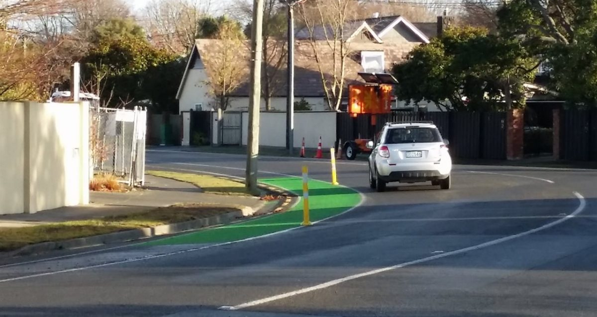Return to Chch: Cycle lane separators on curves