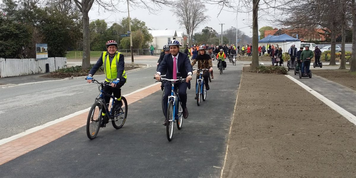 Transport Minister launches Uni-Cycle Matai St section