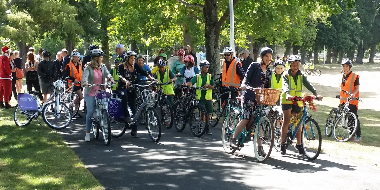 8cffe2aca Assoc. Transport Minister Julie-Anne Genter and Linwood Ave School pupils  open the Rapanui Cycleway