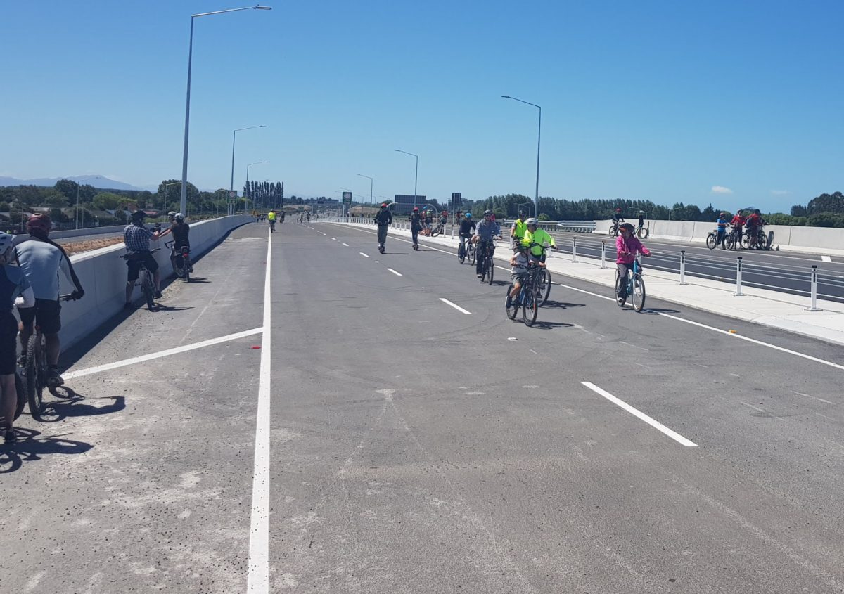 Photo of the Day: Northern Motorway Ride